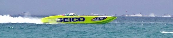 Offshore racing on Lido Key Beach Florida