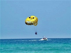 parasailing at Siesta Key Beach Sarasota Florida