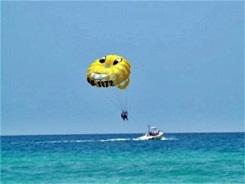 parasailing at Siesta Key Beach Sarasota Florida