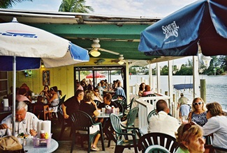 Pops Sunset Grill patio in Nokomis Florida