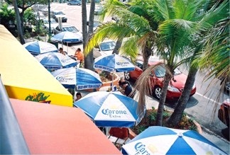 St Armands Circle outdoor cafes near Sarasota Florida