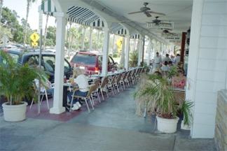 TJ Carneys Sidewalk cafe in Venice Florida