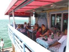 rod and reel pier restaurant in anna maria island florida