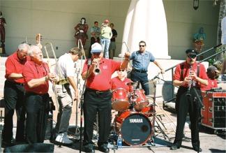 Cincinnati Reds Rally Dixie Land Band