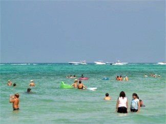 Offshore racing fans off Lido Beach Florida