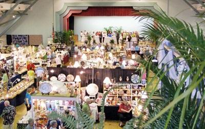 Sarasota Pineapple Antique Show