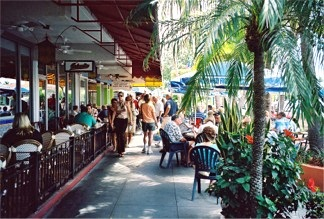 St Armands Circle outdoor cafes